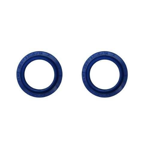 Enduro Bearings Gabel Dichtsatz MANITOU 28,6mm, FK-6604 Achtung! Dieses Set beinhaltet nur die beiden Staubabstreifer. Artikel 2661 ist inkl. Öldichtungen  Enduro Bearings entwickelte und entwarf Polyurethan  Dichtungen für Mountainbike-Gabeln. Standard Dichtungen verlieren schnell an Geschmeidigkeit udn Performance durch Schmutz und Verschleiß. Enduro Bearings blaue Polyurethan Dichtungen lösen diese Probleme, verbessern die Performance und bieten ein gutes Ansprechverhalten über einen langen Zeitraum, ohne langwieriger Wartung. Enduro Bearings Dichtungen dichten besser, gleiten besser, gleiten ruhiger als original Dichtungen. Innere Dichtungen Moly -Disulfid gefettet, für noch besseres Ansprechverhalten.  Verfügbar für die meisten Federgabel Marken und Federgabel Modelle als günstiges Upgrade jeder Gabel.  Hersteller: Manitou Modelle: Mars, Axel, Six, SX Microlube Innendurchmesser: 28,6mm Außendurchmesser: 37mm  Packungsinhalt: • 2x Staubabstreifer